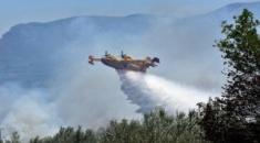 Δασικές φωτιές από πτώσεις κεραυνών σε Σιθωνία και Κασσάνδρα